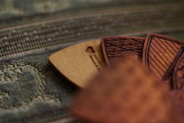 Individuelle-Holzflliege__dein-Muster